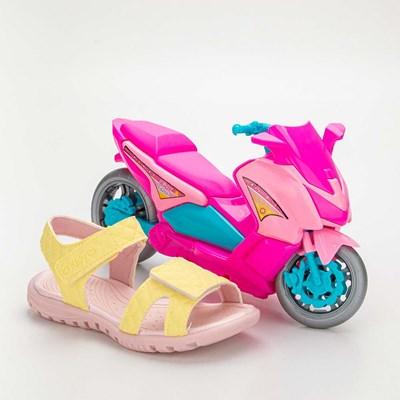 Sandália Infantil Feminina Papete Kidy Gloss Amarelo com Brinquedo