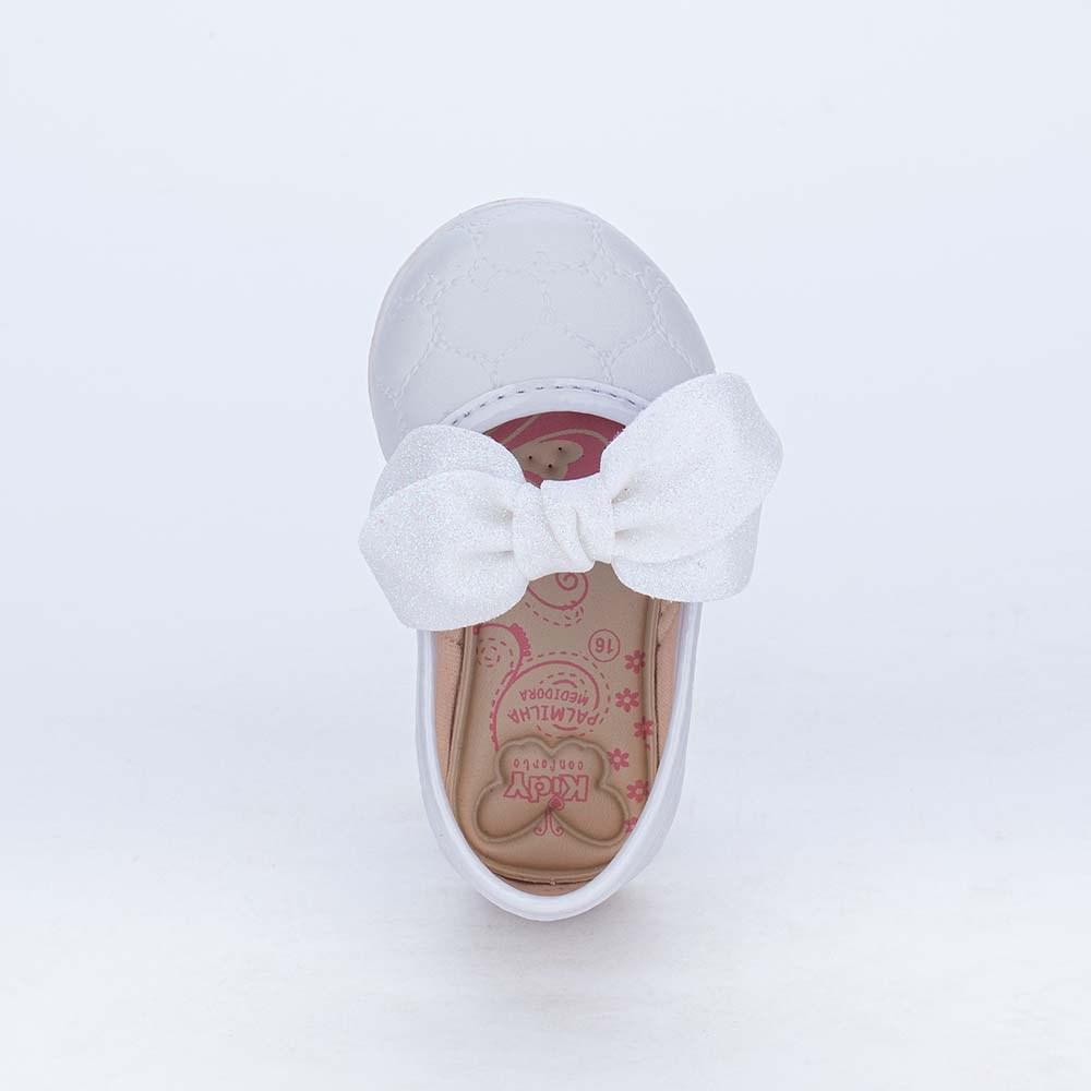 Sapatilha para Bebê em Matelassê de Coração e Laço Branca